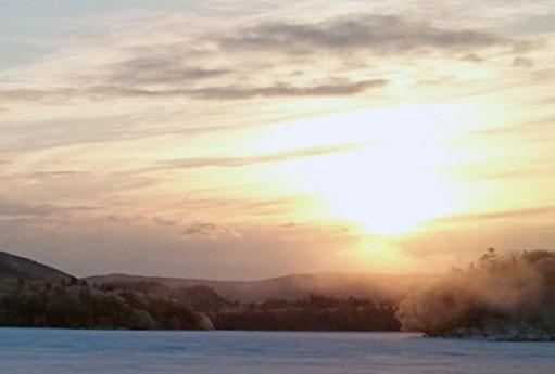 银白色的阿寒湖清晨散步之行