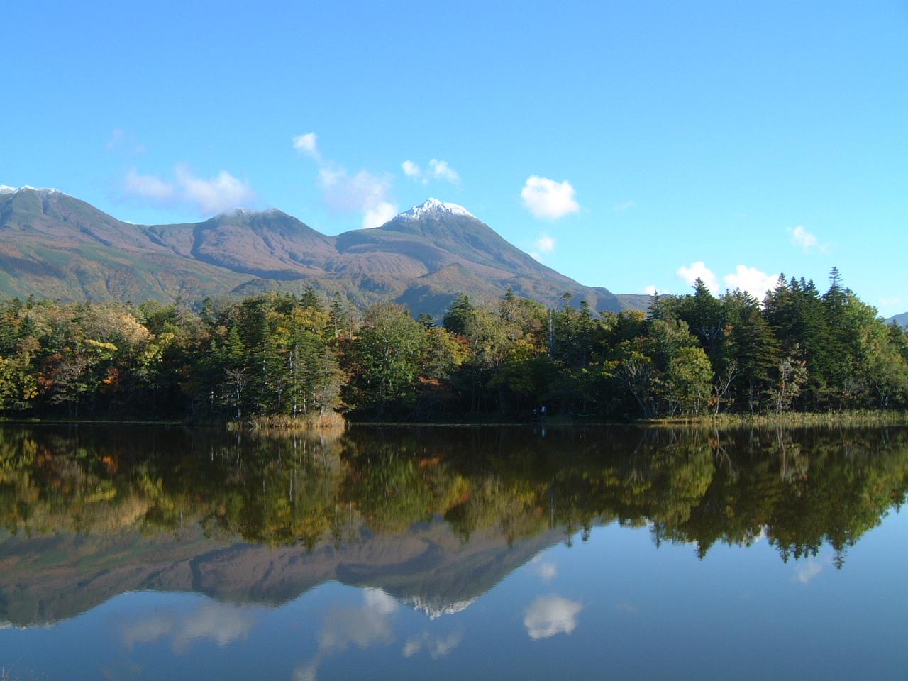 「知床八景」に感動し、温泉に癒やされる、世界自然遺産の観光。